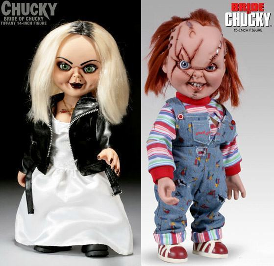 Bride of Chucky Costume Ideas http://www.mahalo.com/answers/i-am-in-desperate-need-of-scary-costumes