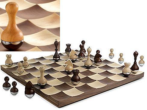 wobble-chess-set
