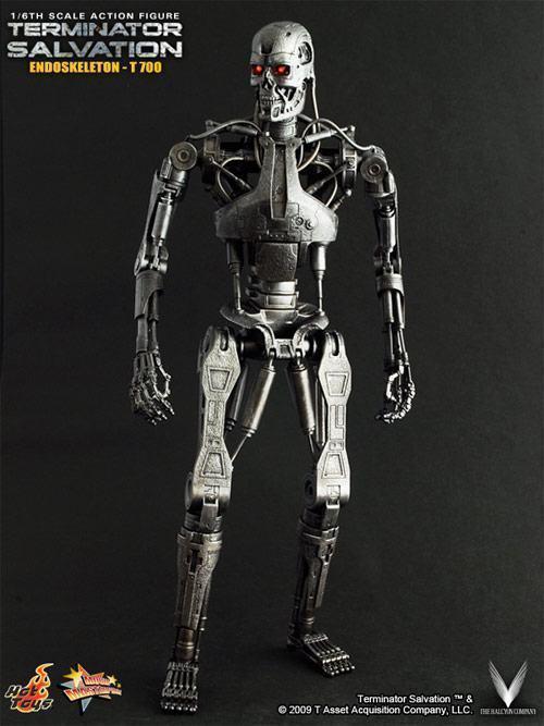 hot-toys-terminator-t700-02