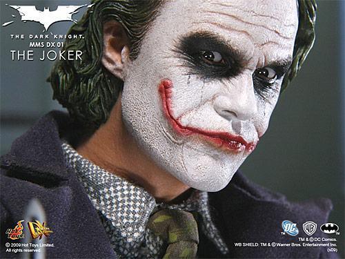 hot-toys-joker-police-final-03