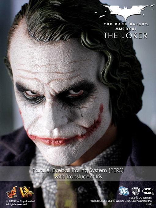 hot-toys-joker-police-final-10