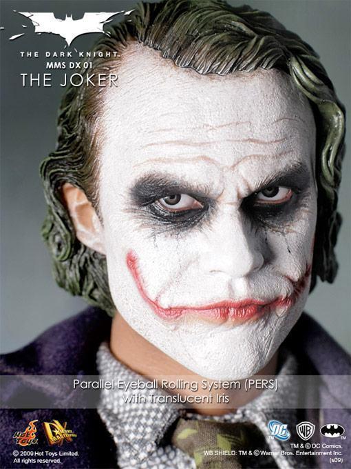 hot-toys-joker-police-final-12