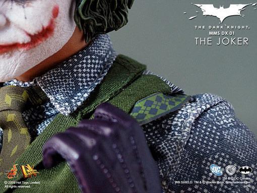 hot-toys-joker-police-final-13