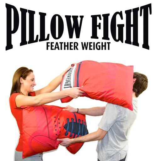 pillow-fight-01