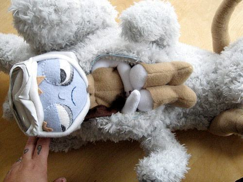 tauntaun-with-luke-skywalker-02