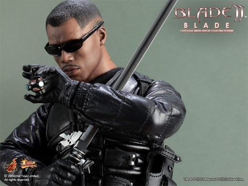 Hot-Toys-Blade-II-01a