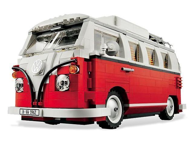 _LEGO-10220-Volkswagen-T1-Camper-Van-02