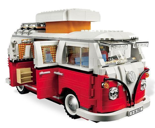 _LEGO-10220-Volkswagen-T1-Camper-Van-03