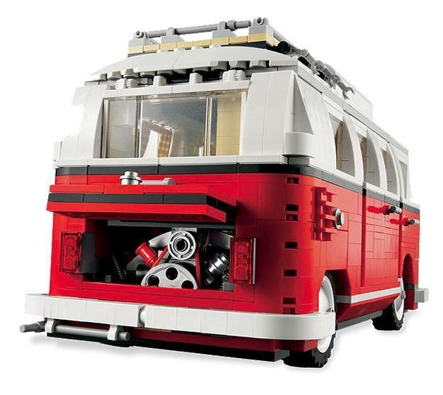 _LEGO-10220-Volkswagen-T1-Camper-Van-04
