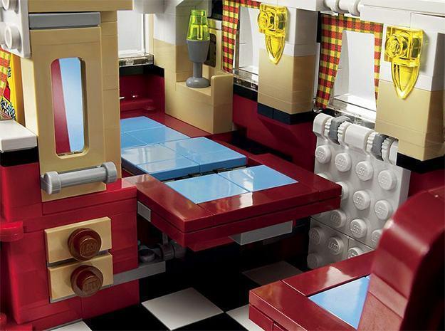 _LEGO-10220-Volkswagen-T1-Camper-Van-08