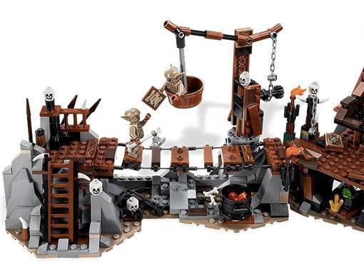 LEGO-Hobbit-Goblin-King-02