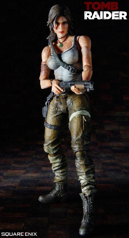 Lara-Croft-Play-Arts-Kai-Figure-04