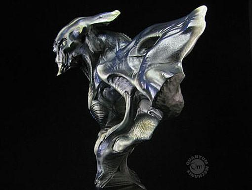 Super-8-Alien-Bust-02