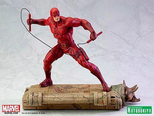 Daredevil-Demolidor-Fine-Art-Statue-02