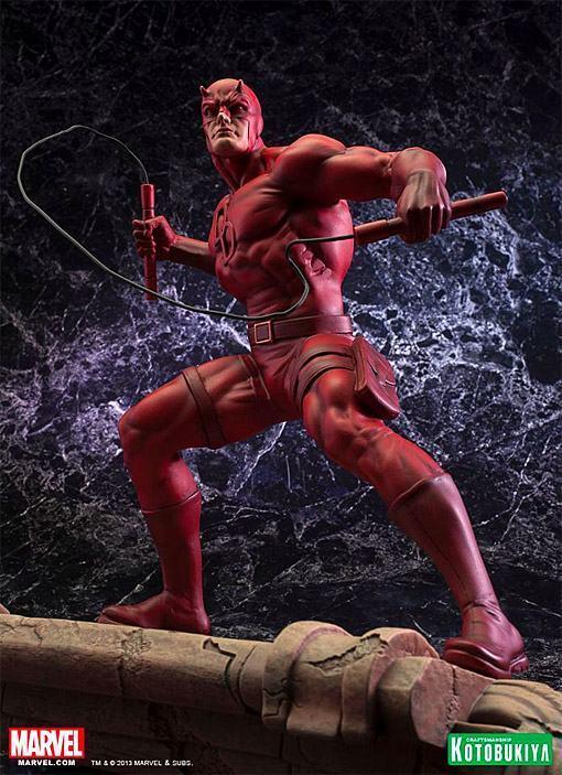Daredevil-Demolidor-Fine-Art-Statue-03