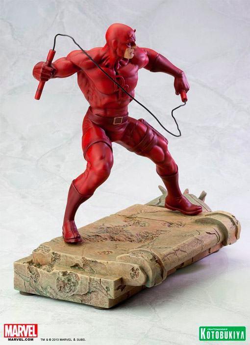 Daredevil-Demolidor-Fine-Art-Statue-04
