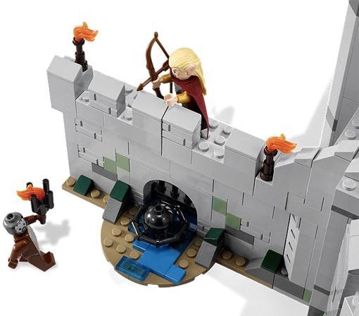 LEGO-Battle-of-Helms-Deep-07