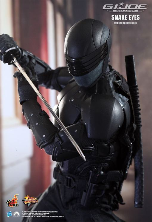 Snake-Eyes-GI-Joe-Retaliation-Hot-Toys-04