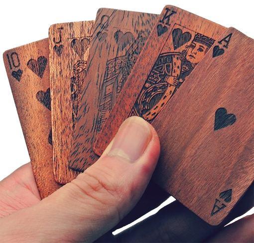 Wooden-Deck-of-Cards-Baralho-de-Madeira-01