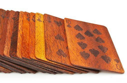 Wooden-Deck-of-Cards-Baralho-de-Madeira-02