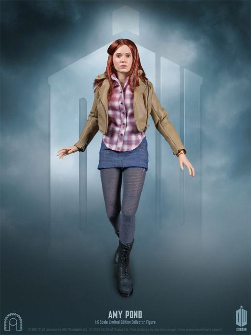 Amy-Pond-Doctor-Who-Collector-Figure-02