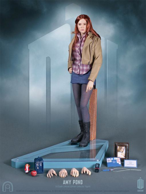 Amy-Pond-Doctor-Who-Collector-Figure-06