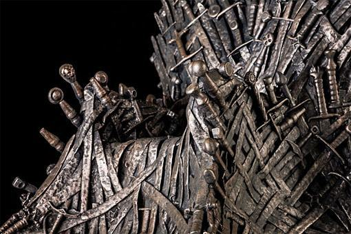 Game-of-Thrones-Iron-Throne-Replica-Statue-03