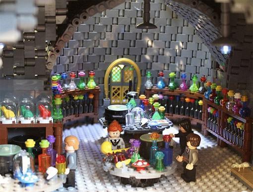 Lego-Hogwarts-Alice-Finch-06
