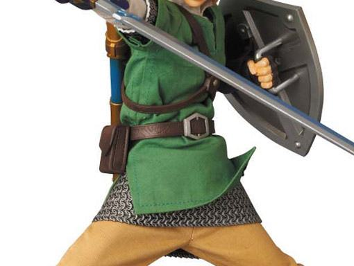 Link-RAH-The-Legend-of-Zelda-Action-Figure-07