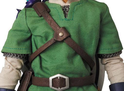 Link-RAH-The-Legend-of-Zelda-Action-Figure-08