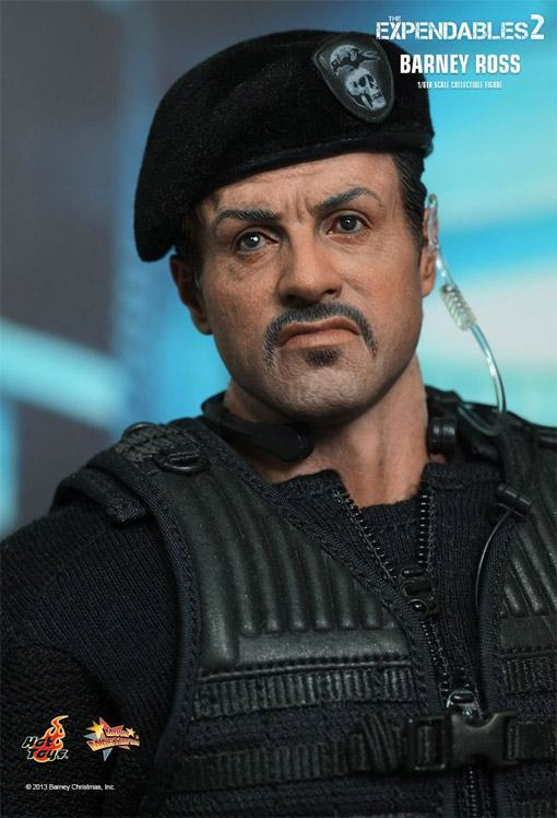 The-Expendables-2-Barney-Ross-Hot-Toys-02