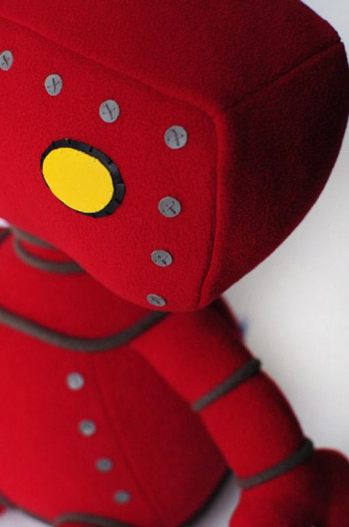 Bad-Robot-de-Pelucia-03