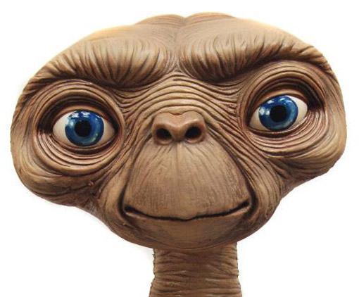 ET-Stunt-Puppet-Prop-Replica-02