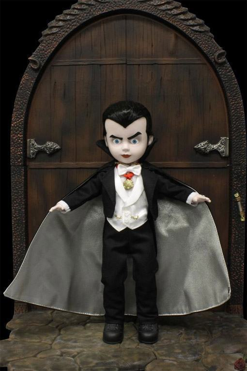 Living-Dead-Dolls-Universal-Monsters-Dracula-04