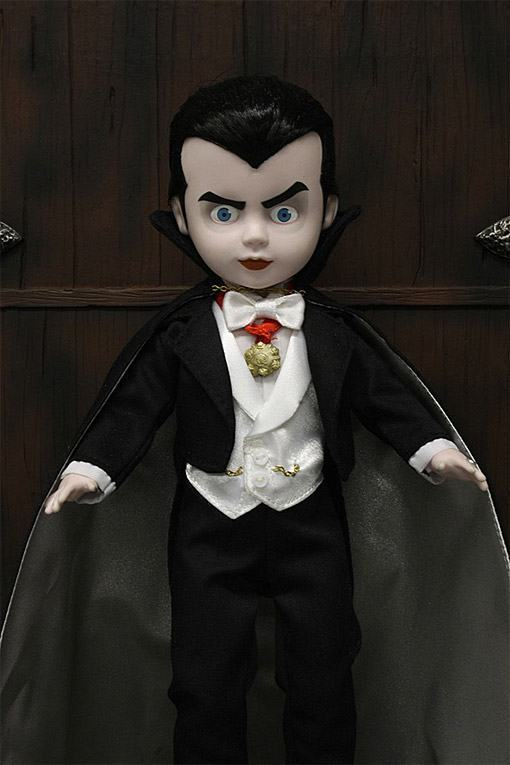 Living-Dead-Dolls-Universal-Monsters-Dracula-05