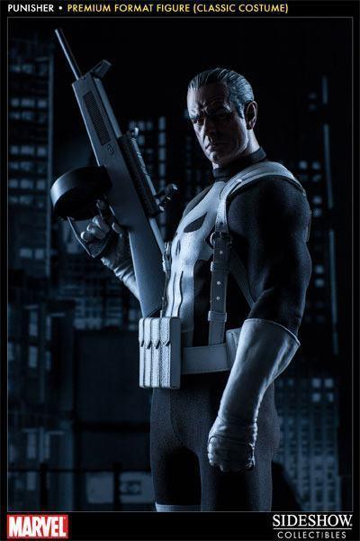 Punisher-Classic-Costume-Premium-Format-Figure-04