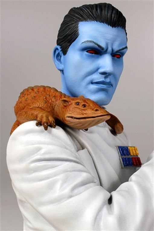 Star-Wars-Grand-Admiral-Thrawn-Mini-Bust-02