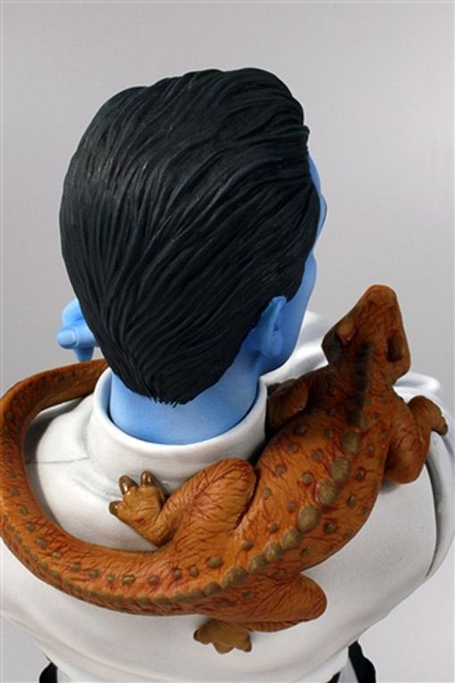 Star-Wars-Grand-Admiral-Thrawn-Mini-Bust-04