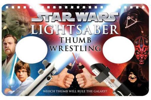 Star-Wars-Lightsaber-Thumb-Wrestling-Luta-de-Dedao