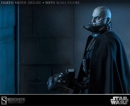 Darth-Vader-Deluxe-Action-Figure-02