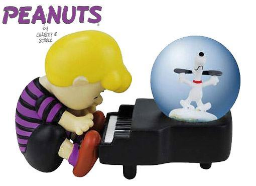 Peanuts-Schroeder-and-Snoopy-Piano-Dance-Water-Globe