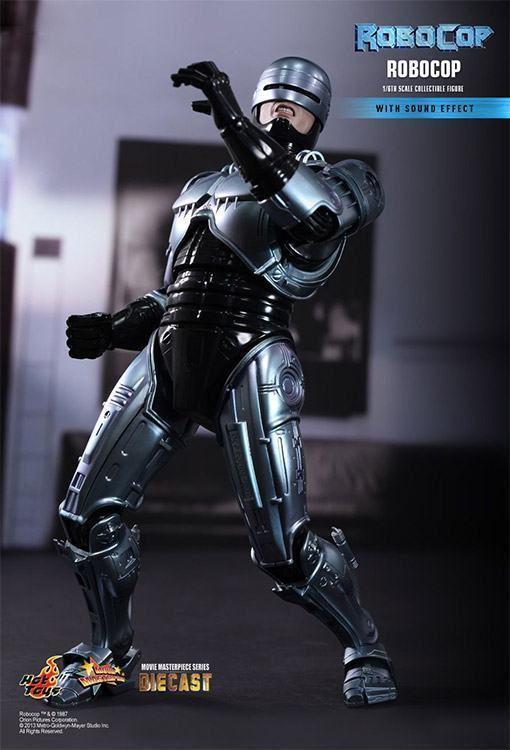 Robocop-Collectible-Figure-Hot-Toys-05