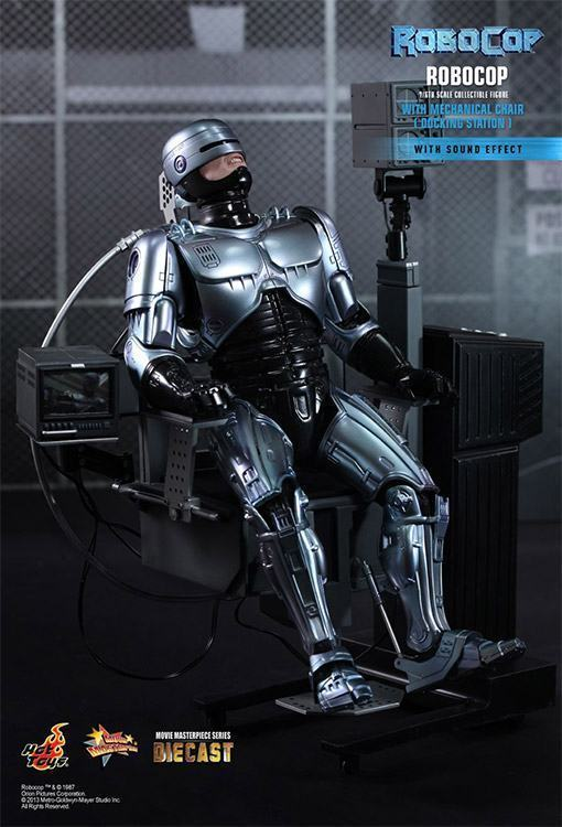 Robocop-Mechanical-Chair-Hot-Toys-04