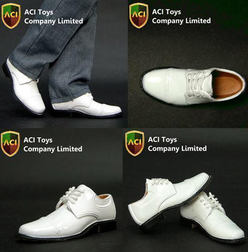Sapatos-Escala-16-Action-Figures-02