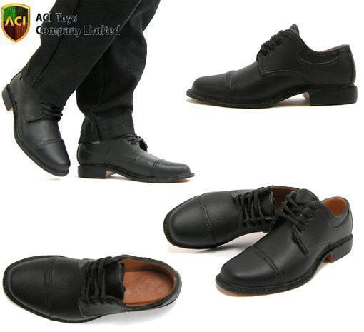 Sapatos-Escala-16-Action-Figures-05