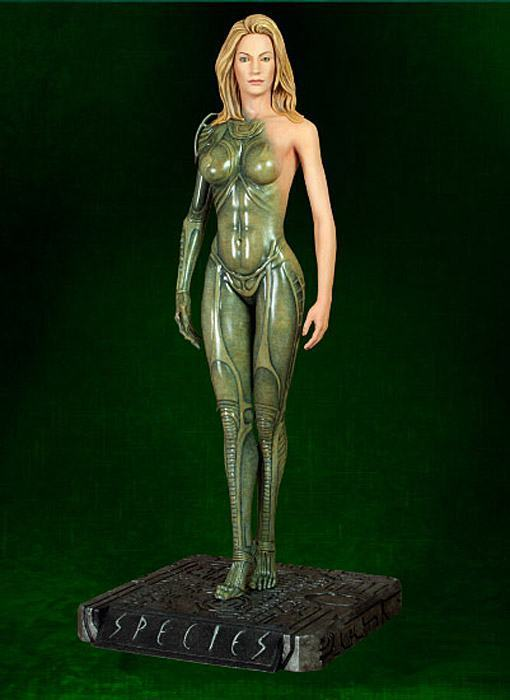 Species-Statue-Sil-Hollywood-Collectibles-03