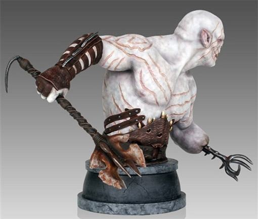 Azog-Mini-Bust-Hobbit-GentleGiant-04
