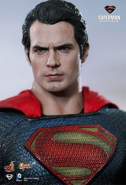 Man-of-Steel-Superman-Hot-Toys-03
