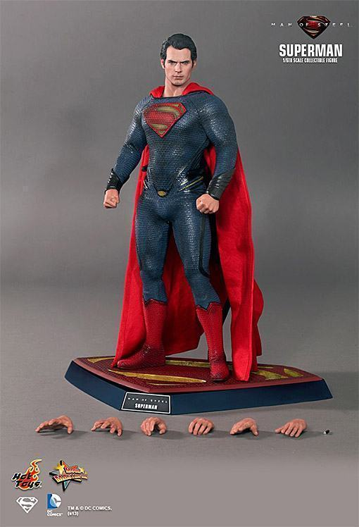 Man-of-Steel-Superman-Hot-Toys-12