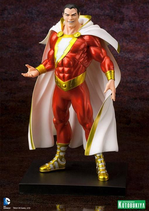 Shazam-New-52-ArtFX-plus-Statue-01